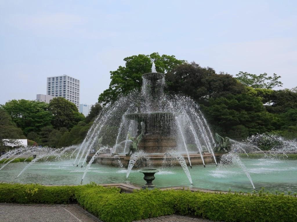 Geihinkan fountain